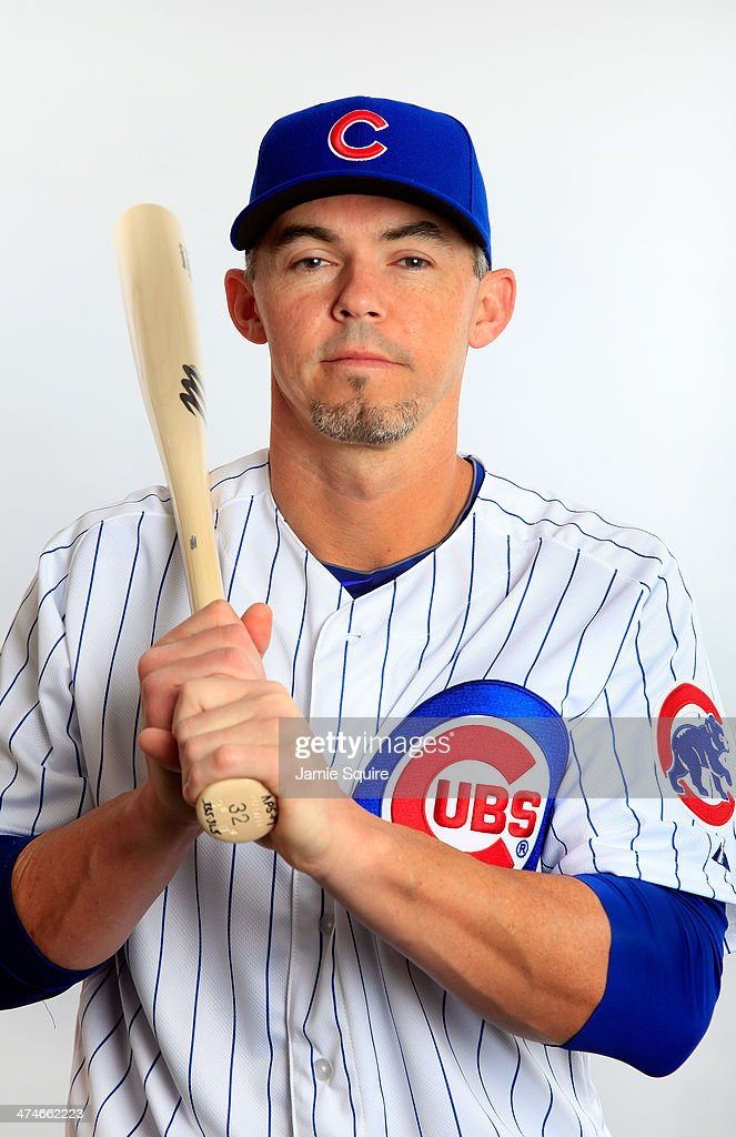 <a gi-track='captionPersonalityLinkClicked' href=/galleries/search?phrase=Eli+Whiteside&family=editorial&specificpeople=836374 ng-click='$event.stopPropagation()'>Eli Whiteside</a> #32 poses during Chicago Cubs photo day on February 24, 2014 in Tempe, Arizona.