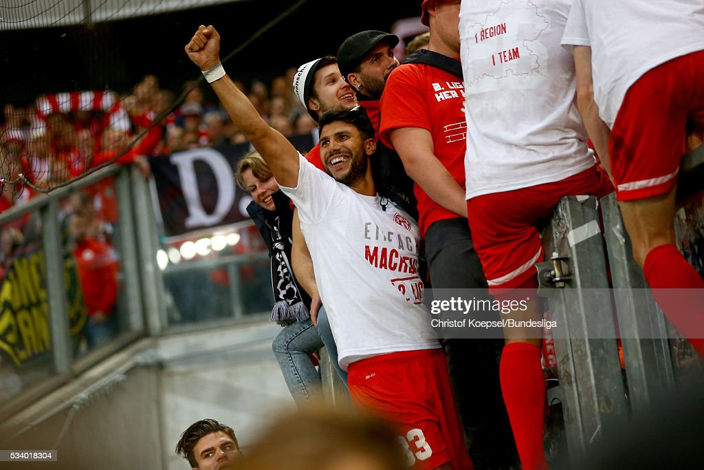 Elia Soriano of Wuerzburg celebrates after the Second Bundesliga play-off second leg match between MSV Duisburg and Wuerzburger Kickers at Schauinsland-Reisen-Arena on May 24, 2016 in Duisburg, Germany.