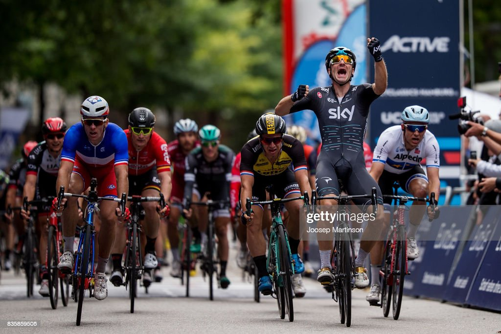 Elia Viviani of Team Sky celebrates winning the EUROEYES CYCLASSICS Hamburg race on August 20, 2017 in Hamburg, Germany.