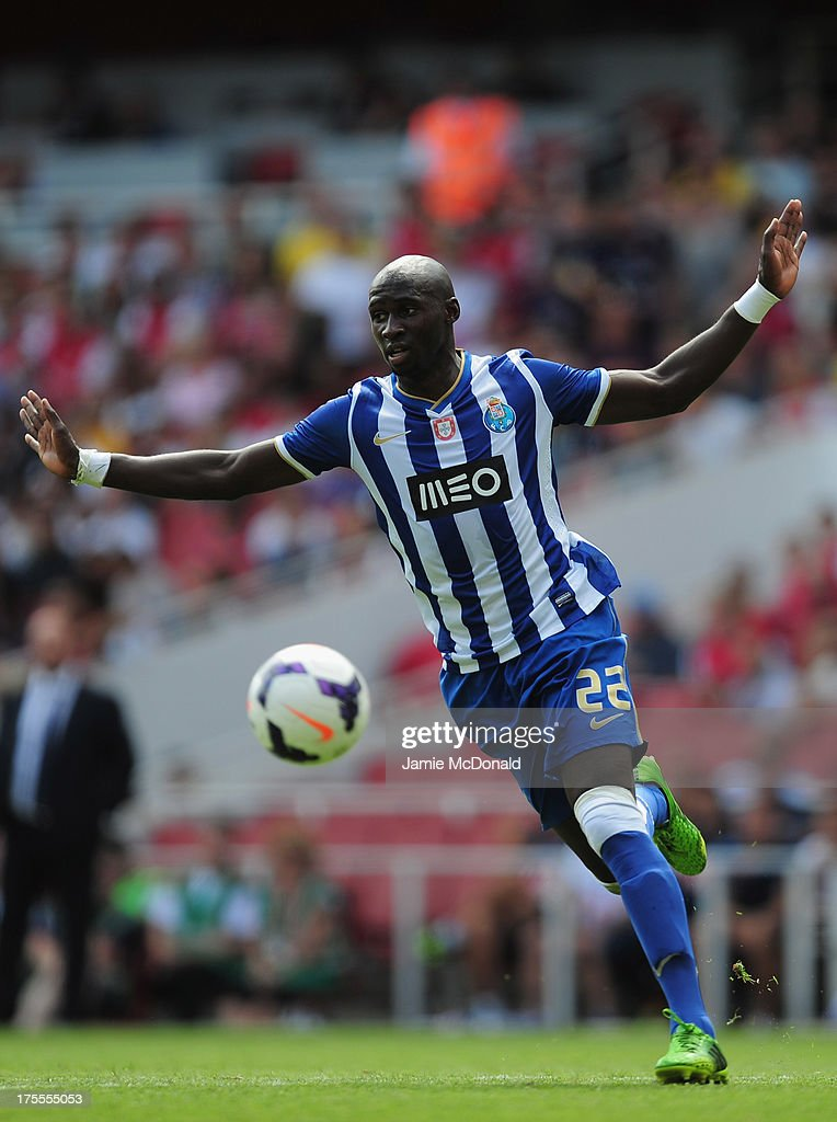 <a gi-track='captionPersonalityLinkClicked' href=/galleries/search?phrase=Eliaquim+Mangala&family=editorial&specificpeople=5713850 ng-click='$event.stopPropagation()'>Eliaquim Mangala</a> of FC Porto in action during the Emirates Cup match between Napoli and FC Porto at the Emirates Stadium on August 4, 2013 in London, England.