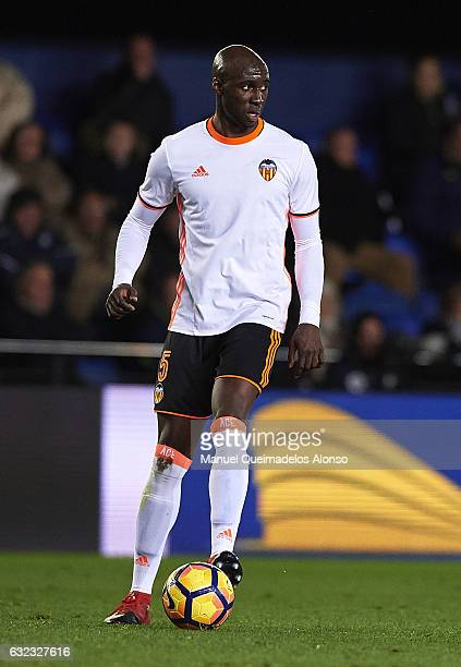 Eliaquim Mangala of Valencia controls the ball during the La Liga match between Villarreal CF and Valencia CF at Estadio de la Ceramica on January 21...