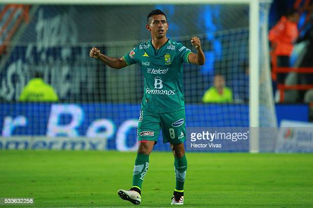 Elias Hernandez of Leon celebrates after scoring the first goal of his team during the semi finals first leg match between Pachuca and Leon as part...