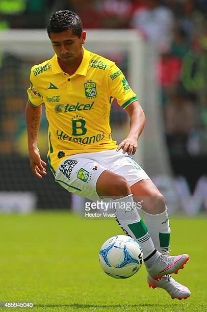 Elias Hernandez of Leon drives the ball during a 7th round match between Toluca and Leon as part of the Apertura 2015 Liga MX at Nemesio Diez Stadium...