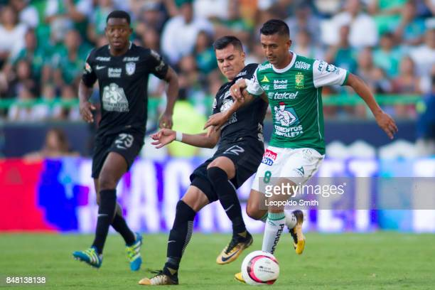 Elias Hernandez of Leon fights for the ball with Emmanuel Garcia of Pachuca during the 9th round match between Leon and Pachuca as part of the Torneo...