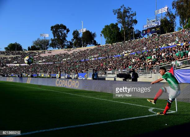Elias Hernandez of Mexico takes a corner during a 10 loss to Jamaica win in the CONCACAF 2017 semifinal at Rose Bowl on July 23 2017 in Pasadena...