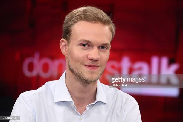 Elias von der Locht im ZDFTalkmagazin donnerstalk am in BerlinThemen der Sendung Flüchtlingskrise Was tun Alt und verarmt Wer soll unsere Kinder...