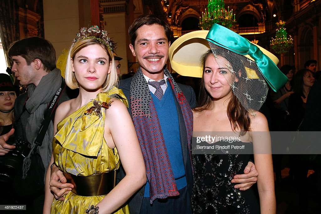 Elie Top (C) with Catherinettes from Lanvin attend Sainte-Catherine Celebration at Mairie de Paris on November 25, 2013 in Paris, France.