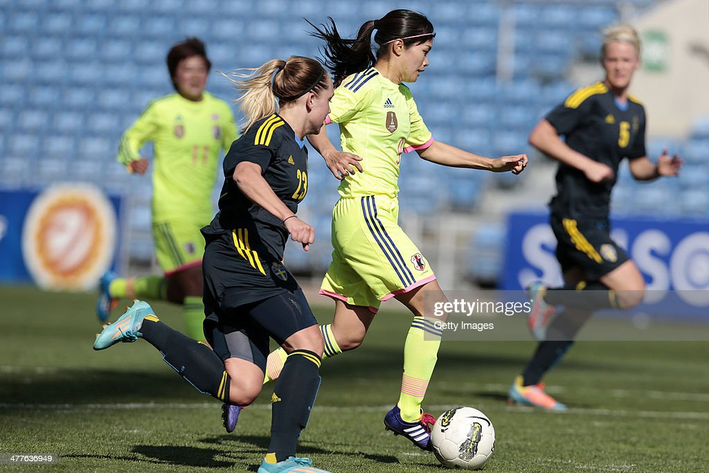 Elin Rubensson of Sweden in action during the Algarve Cup 2014 match between Japan and Sweden on March 10, 2014 in Loule, Portugal.