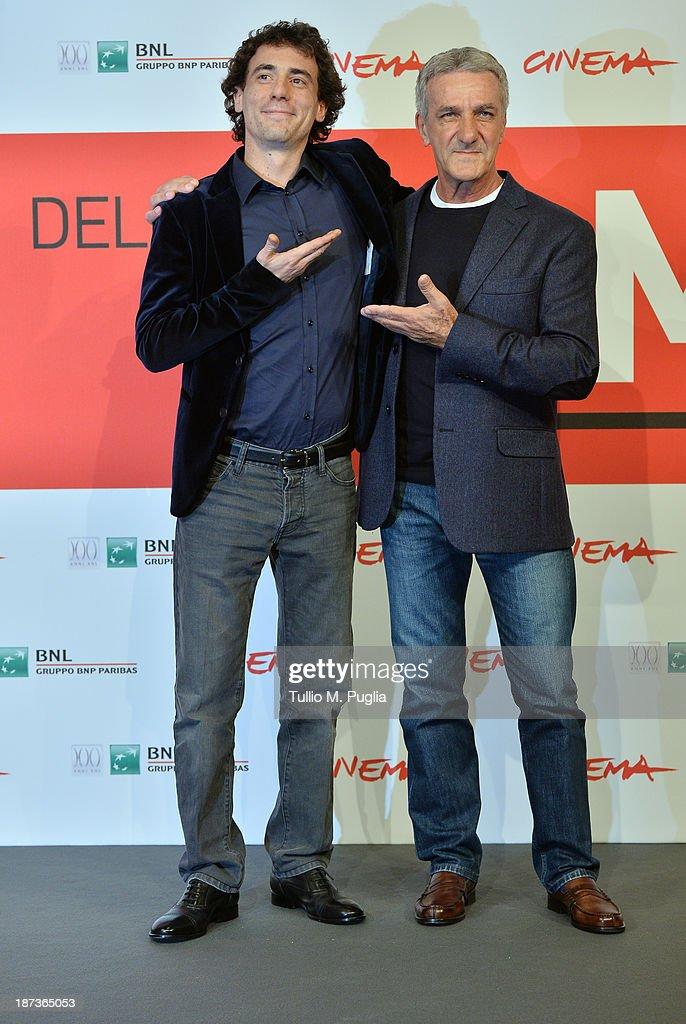 <a gi-track='captionPersonalityLinkClicked' href=/galleries/search?phrase=Elio+Germano&family=editorial&specificpeople=2154181 ng-click='$event.stopPropagation()'>Elio Germano</a> (L) and Ernesto Fioretti attend the 'L'Ultima Ruota Del Carro' Photocall during the 8th Rome Film Festival at the Auditorium Parco Della Musica on November 8, 2013 in Rome, Italy.