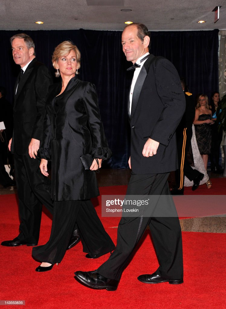 <a gi-track='captionPersonalityLinkClicked' href=/galleries/search?phrase=Eliot+Spitzer&family=editorial&specificpeople=211493 ng-click='$event.stopPropagation()'>Eliot Spitzer</a> attends the 98th Annual White House Correspondents' Association Dinner at the Washington Hilton on April 28, 2012 in Washington, DC.