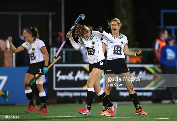 Elisa Grave Marie Mavers and Charlotte Stapenhorst of Germany celerates at the final whistle during day 6 of the FIH Hockey World League Women's Semi...