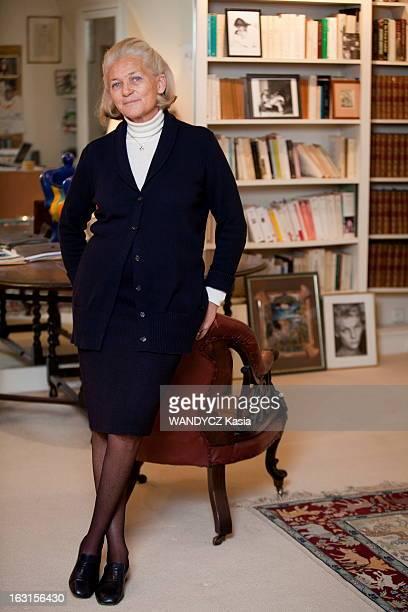 Elisabeth Badinter At Home In Paris Paris 23 novembre 2011 rencontre avec Elisabeth BADINTER écrivain et philosophe chez elle à SaintGermaindesPrés...