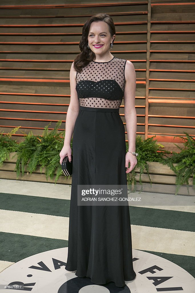 Elisabeth Moss arrives at the 2014 Vanity Fair Oscar Party on March 2, 2014 in West Hollywood, California.