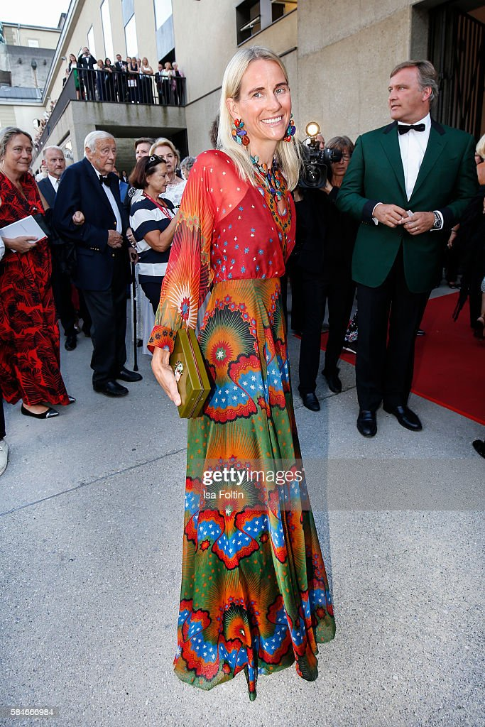 Elisabeth von AuerspergBreunner daughter of Friedrich Karl Flick attend the premiere of the opera 'Cosi Fan Tutte' on July 29 2016 in Salzburg Austria