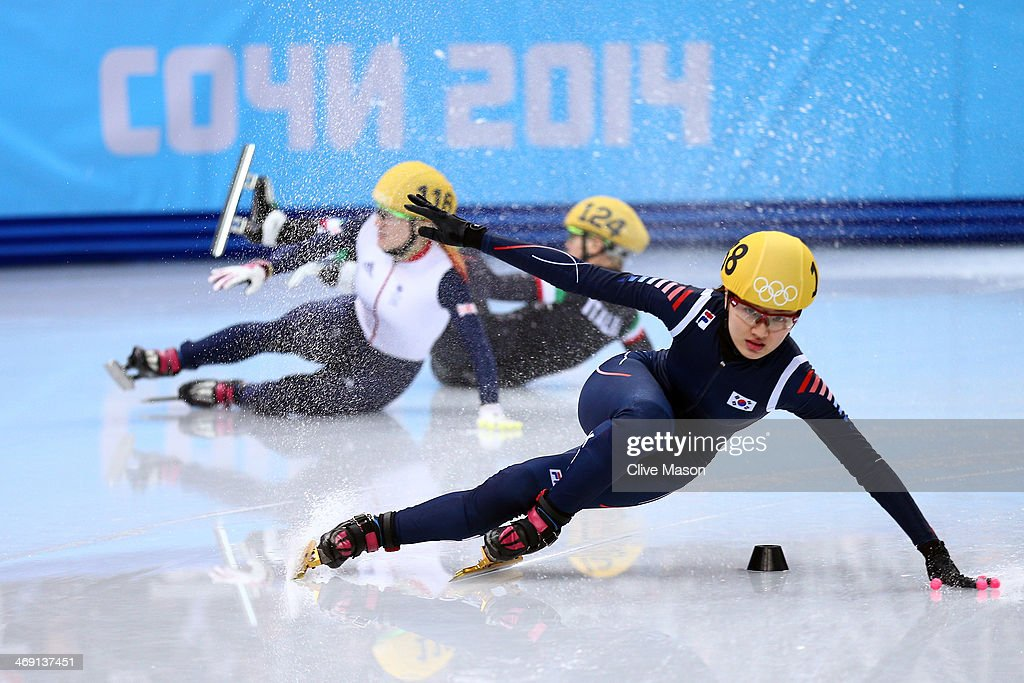 <a gi-track='captionPersonalityLinkClicked' href=/galleries/search?phrase=Elise+Christie&family=editorial&specificpeople=4113885 ng-click='$event.stopPropagation()'>Elise Christie</a> of Great Britain (L) falls and collides with Seung-Hi Park of South Korea (R) and <a gi-track='captionPersonalityLinkClicked' href=/galleries/search?phrase=Arianna+Fontana&family=editorial&specificpeople=4680451 ng-click='$event.stopPropagation()'>Arianna Fontana</a> of Italy (C) as she competes in the Short Track Speed Skating Ladies' 500 m Final on day 6 of the Sochi 2014 Winter Olympics at at Iceberg Skating Palace on February 13, 2014 in Sochi, Russia.