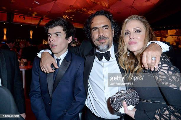 Eliseo Inarritu director/screenwriter Alejandro Gonzalez Inarritu and producer Mary Parent attend the 2016 Vanity Fair Oscar Party Hosted By Graydon...