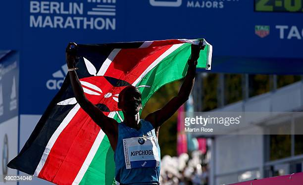 Eliud Kipchoge of Kenia celebrats after winning the 42nd BMW Berlin Marathon during the 42nd BMW Berlin Marathon on September 27 2015 in Berlin...