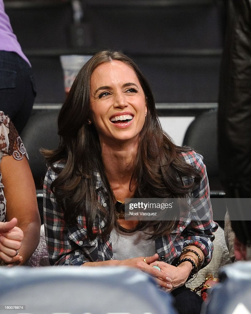 Eliza Dushku attends a basketball game between the Utah Jazz and the Los Angeles Lakers at Staples Center on January 25, 2013 in Los Angeles, California.