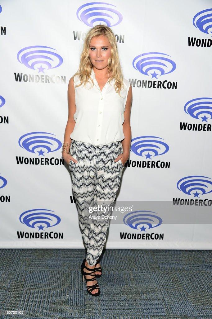 Eliza Taylor attends The 100 press line at WonderCon Anaheim 2014 Day 2 at Anaheim Convention Center on April 19, 2014 in Anaheim, California.