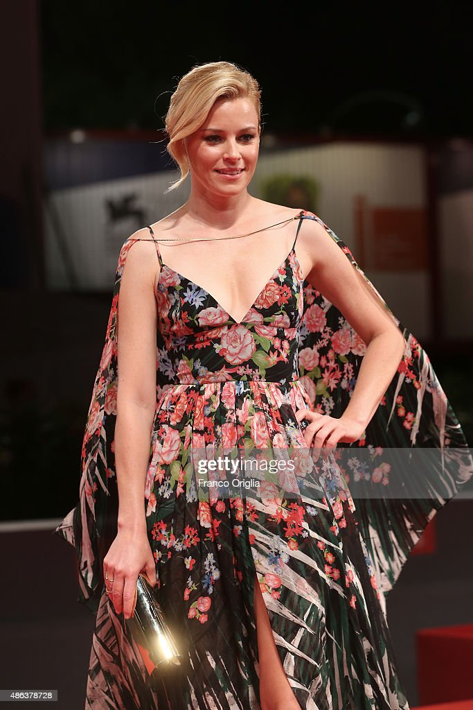 Elizabeth Banks attends a premiere for 'Beasts Of No Nation' during the 72nd Venice Film Festival at Sala Grande on September 3, 2015 in Venice, Italy.
