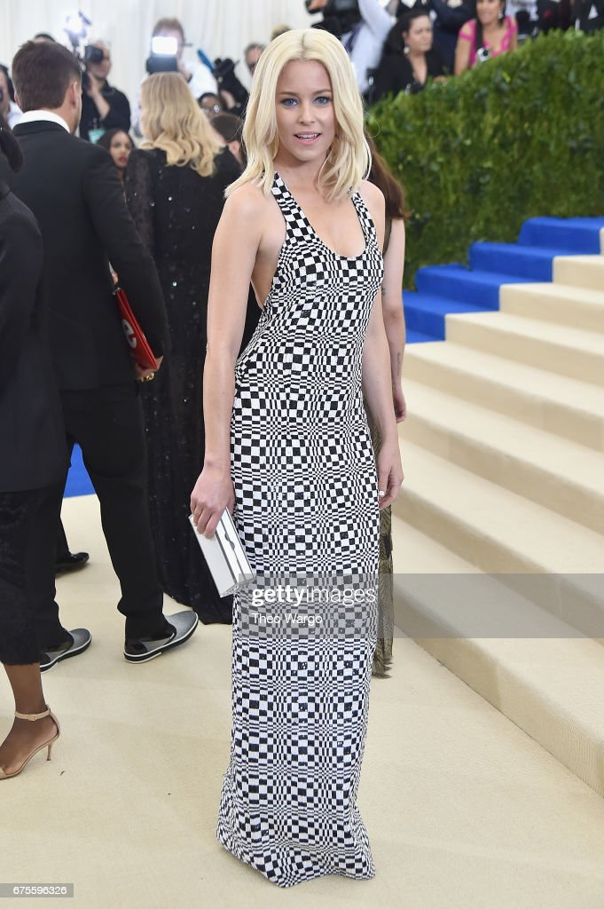 Elizabeth Banks attends the 'Rei Kawakubo/Comme des Garcons: Art Of The In-Between' Costume Institute Gala at Metropolitan Museum of Art on May 1, 2017 in New York City.