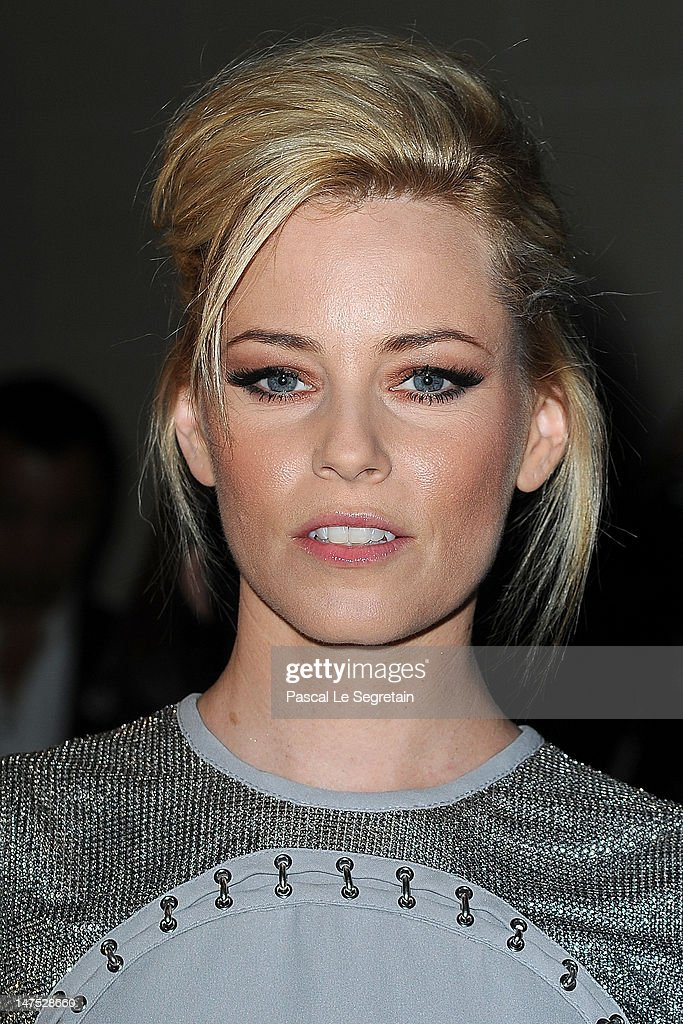 Elizabeth Banks attends the Versace Haute-Couture show as part of Paris Fashion Week Fall / Winter 2012/13 at the Ritz hotel on July 1, 2012 in Paris, France.