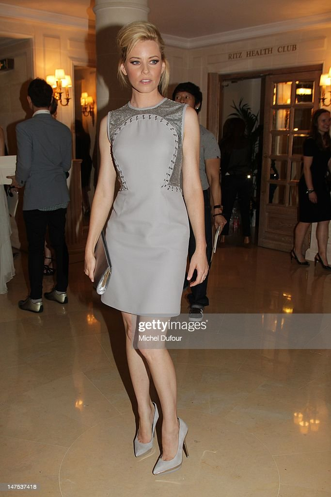 Elizabeth Banks attends the Versace Haute-Couture Show as part of Paris Fashion Week Fall / Winter 2012/13 on July 1, 2012 in Paris, France.