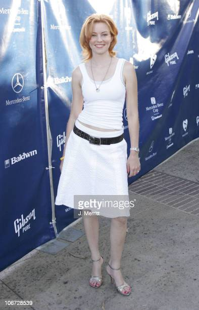 Elizabeth Banks during Gibson/Baldwin Presents 'Night at the Net' at the 78th Annual MercedesBenz Cup Benefiting MusiCares Foundation at Los Angeles...