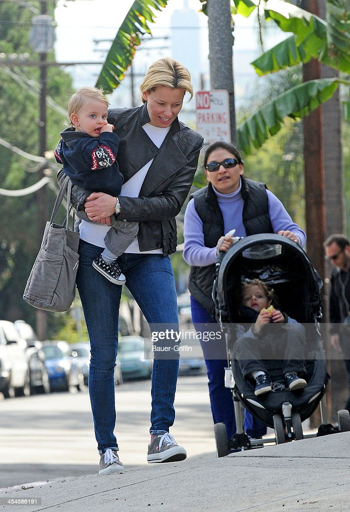 Elizabeth Banks is seen taking a walk with her sons, Magnus Handelman and Felix Handelman on December 09, 2013 in Los Angeles, California.
