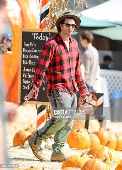 Elizabeth Berkley is seen with Greg Lauren and son Sky on October 19 2014 in Los Angeles California
