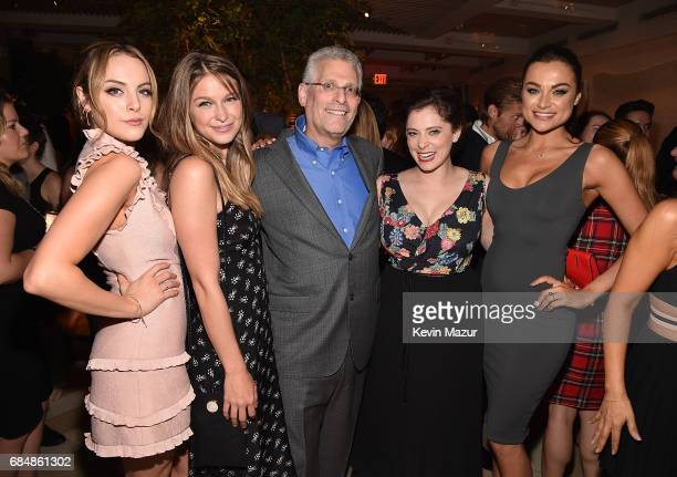 Elizabeth Gillies Melissa Benoist President The CW Network Mark Pedowitz Rachel Bloom and Christina Ochoa attend The CW Network's 2017 party at Avra...