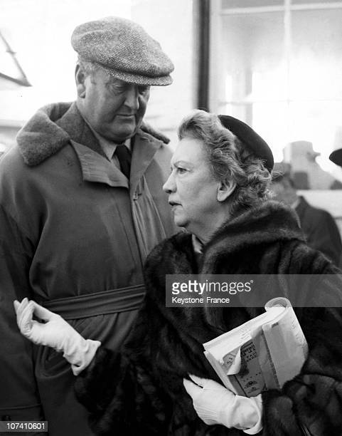 Elizabeth Graham Elizabeth Arden With Captain Boyd Rochfort The Queen'S Racahorse Trainer At The Newmarket Sales On December 06Th 1954