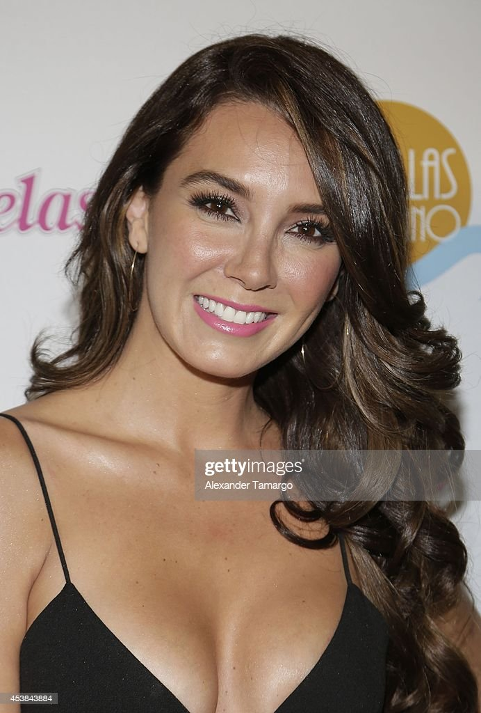 <a gi-track='captionPersonalityLinkClicked' href=/galleries/search?phrase=Elizabeth+Gutierrez&family=editorial&specificpeople=3971084 ng-click='$event.stopPropagation()'>Elizabeth Gutierrez</a> attends the 'Estrellas de Verano' the TV Y Novelas Event at The Bath Club on August 19, 2014 in Miami, Florida.