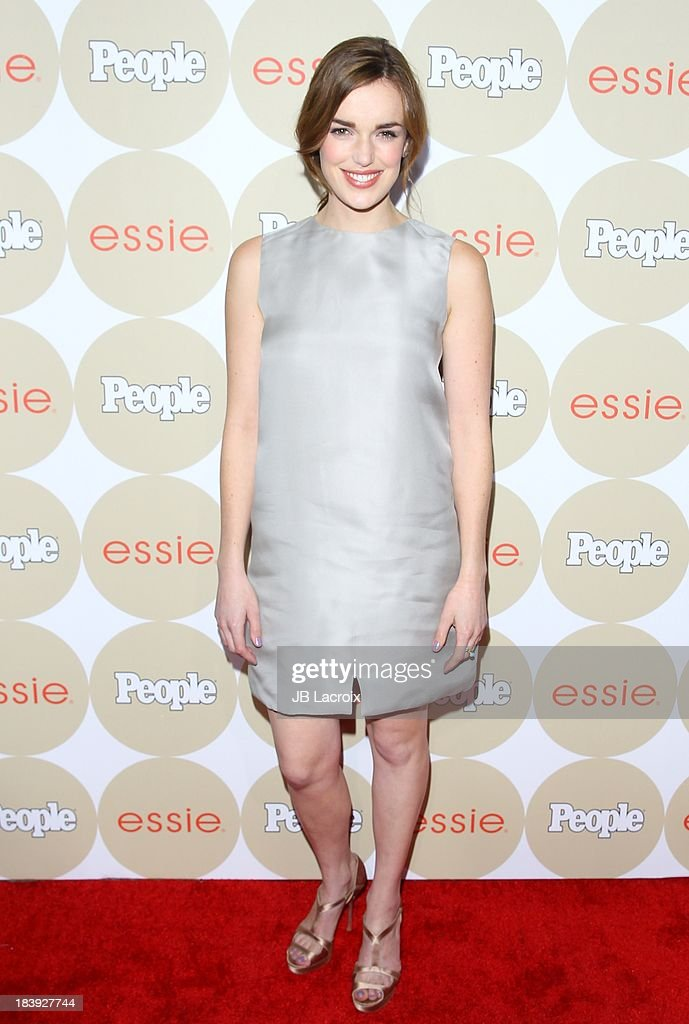 <a gi-track='captionPersonalityLinkClicked' href=/galleries/search?phrase=Elizabeth+Henstridge&family=editorial&specificpeople=10926347 ng-click='$event.stopPropagation()'>Elizabeth Henstridge</a> attends the People's One To Watch Event held at Hinoki & The Bird on October 9, 2013 in Los Angeles, California.