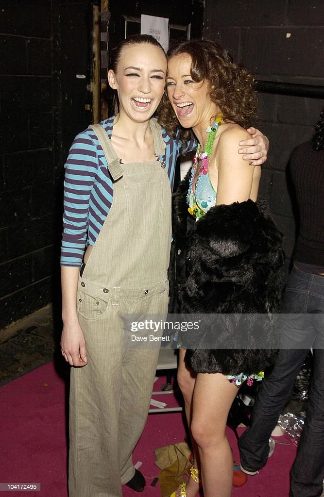 Elizabeth Jagger And Her Friend Leah Wood, Julien Macdonald Fashion Show At The Roundhouse In Camden, London, London Fashion Week 2003