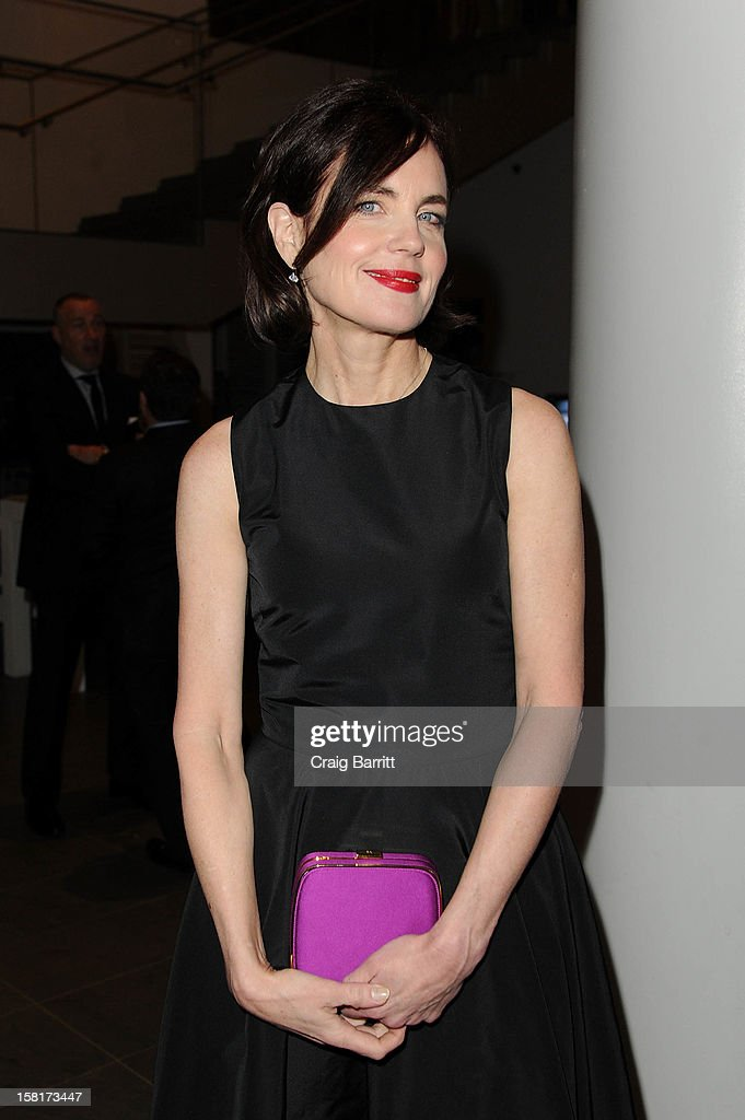 <a gi-track='captionPersonalityLinkClicked' href=/galleries/search?phrase=Elizabeth+McGovern&family=editorial&specificpeople=734460 ng-click='$event.stopPropagation()'>Elizabeth McGovern</a> attends an evening with the cast and producers of PBS Masterpiece series 'Downton Abbey' hosted by Ralph Lauren & Graydon Carter on December 10, 2012 in New York City.