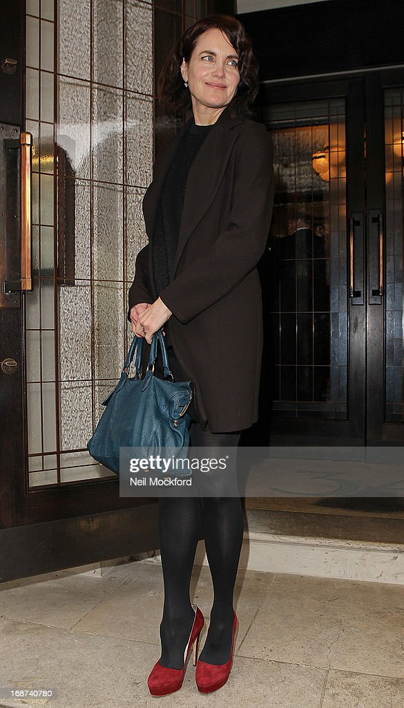 <a gi-track='captionPersonalityLinkClicked' href=/galleries/search?phrase=Elizabeth+McGovern&family=editorial&specificpeople=734460 ng-click='$event.stopPropagation()'>Elizabeth McGovern</a> seen leaving The Vanity Fair lunch party at 34 Grosvenor Square on May 14, 2013 in London, England.