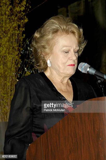 Elizabeth Scott attends SOANE FOUNDATION Goes Thoroughly Modern at Rainbow Room on April 23 2008 in New York City