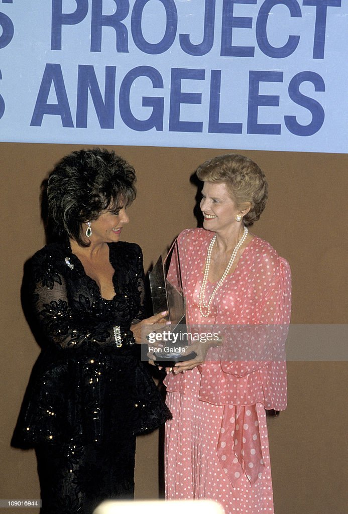 Elizabeth Taylor and <a gi-track='captionPersonalityLinkClicked' href=/galleries/search?phrase=Betty+Ford&family=editorial&specificpeople=125160 ng-click='$event.stopPropagation()'>Betty Ford</a>