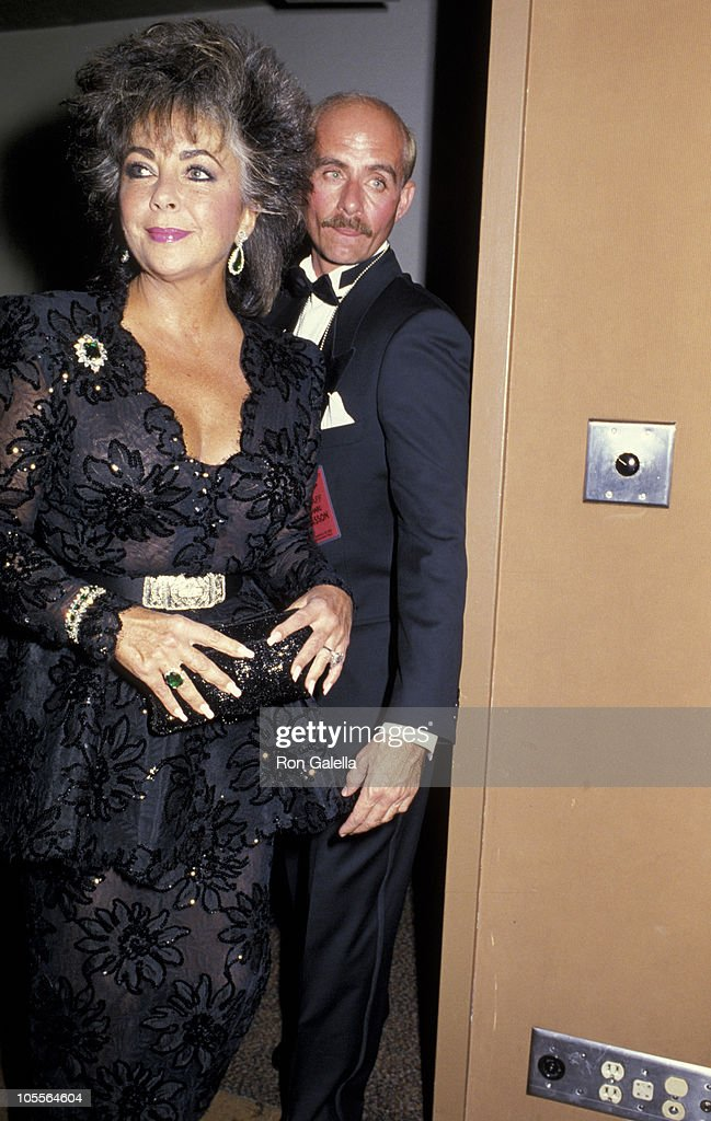 <a gi-track='captionPersonalityLinkClicked' href=/galleries/search?phrase=Elizabeth+Taylor&family=editorial&specificpeople=69995 ng-click='$event.stopPropagation()'>Elizabeth Taylor</a> during 1st Commitment to Life Awards at Bonaventure Hotel in Los Angeles, California, United States.