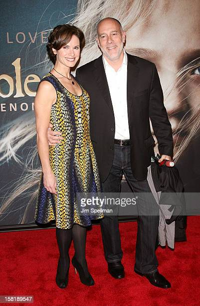 Elizabeth Vargas and Marc Cohn attends the 'Les Miserables' New York Premiere at Ziegfeld Theatre on December 10 2012 in New York City
