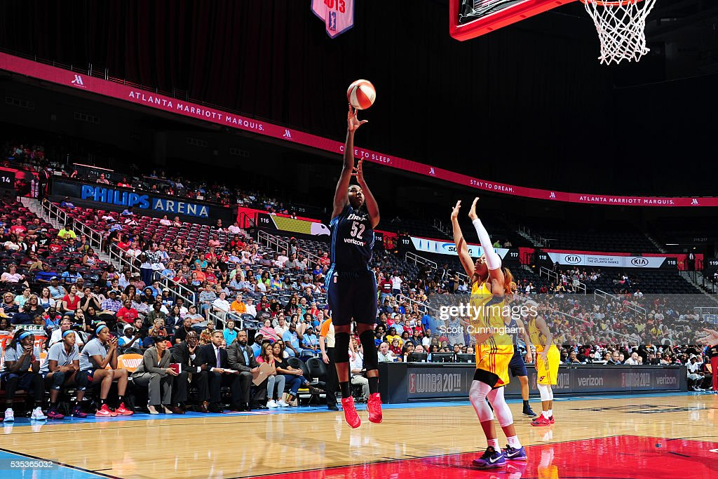 Elizabeth Williams #52 of the Atlanta Dream shoots the ball against the Indiana Fever on May 29, 2016 at Philips Arena in Atlanta, Georgia.