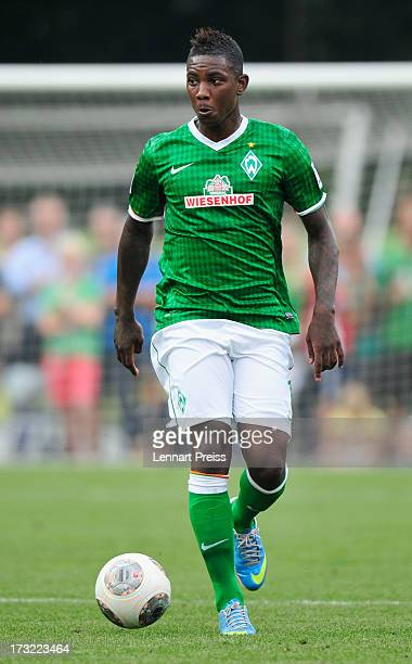 Eljero Elia of Bremen in action during a preseason friendly match between SV Werder Bremen and TSV 1860 Muenchen on July 10 2013 in Zell am Ziller...