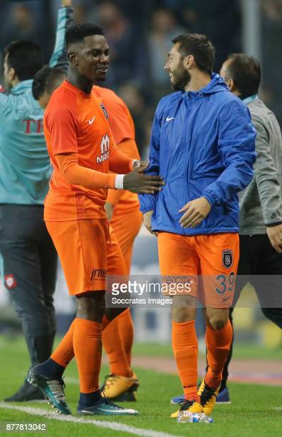 Eljero Elia of Istanbul Basaksehir celebrates the victory during the Turkish Super lig match between Istanbul Basaksehir v Galatasaray at the Fatih...
