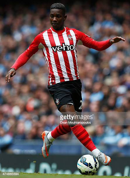 Eljero Elia of Southampton in action during the Barclays Premier League match between Manchester City and Southampton held at Etihad Stadium on May...
