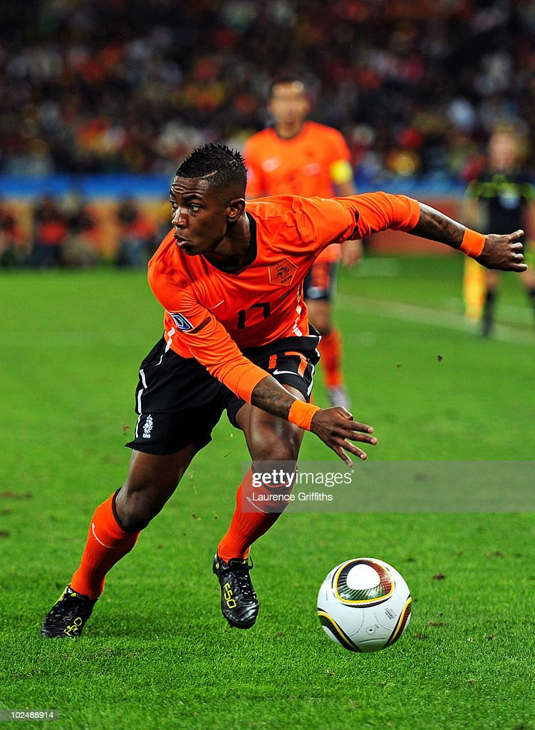 <a gi-track='captionPersonalityLinkClicked' href=/galleries/search?phrase=Eljero+Elia&family=editorial&specificpeople=2199495 ng-click='$event.stopPropagation()'>Eljero Elia</a> of the Netherlands in action during the 2010 FIFA World Cup South Africa Round of Sixteen match between Netherlands and Slovakia at Durban Stadium on June 28, 2010 in Durban, South Africa.