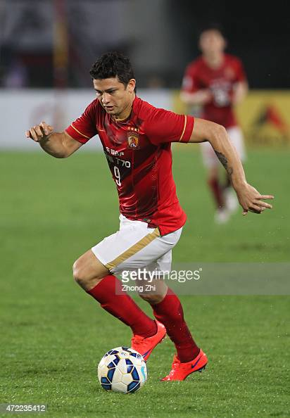 Elkeson of Guangzhou Evergrande in action during the AFC Asian Champions League match between Guangzhou Guangzhou Evergrande and Western Sydney...