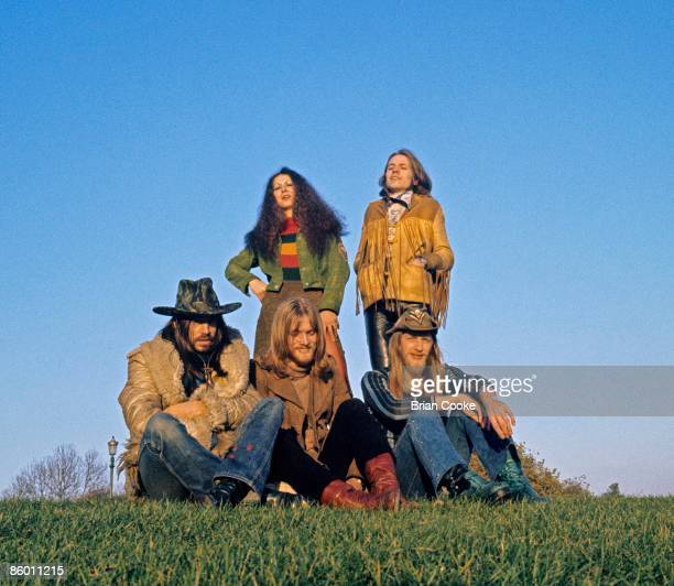Elkie Brooks and Robert Palmer Tim Hinkley Rob Tait Pete Gage on right of Vinegar Joe posed on Primrose Hill North London in October 1971