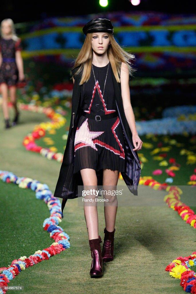 Tommy Hilfiger Women's - Runway - Mercedes-Benz Fashion Week Spring 2015
