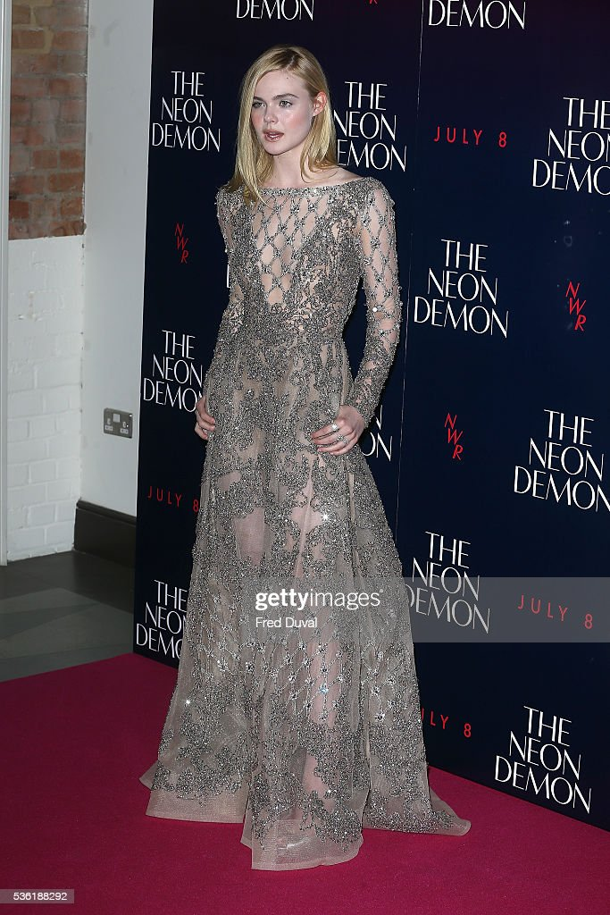 <a gi-track='captionPersonalityLinkClicked' href=/galleries/search?phrase=Elle+Fanning&family=editorial&specificpeople=2189940 ng-click='$event.stopPropagation()'>Elle Fanning</a> arrives for the UK Premiere of The Neon Demon on May 31, 2016 in London, United Kingdom.
